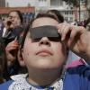 Güneş Tutulması' nı İzleyen Çocuklar
